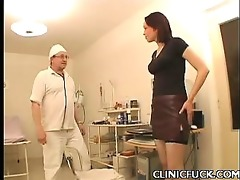 hot brunette clinic tit play