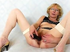 blondie mother gapes and fucks her fuck gap
