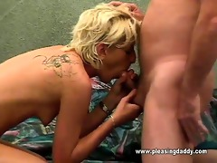 juvenile horny doxy engulfing old mans wang