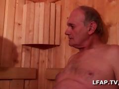 brunette francaise sodomisee par 4 mecs dans un